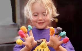 دست ورزی کودکان در مهد خوب نوید صدرا