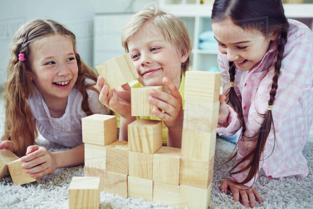 بازی با چوب برای کودکان